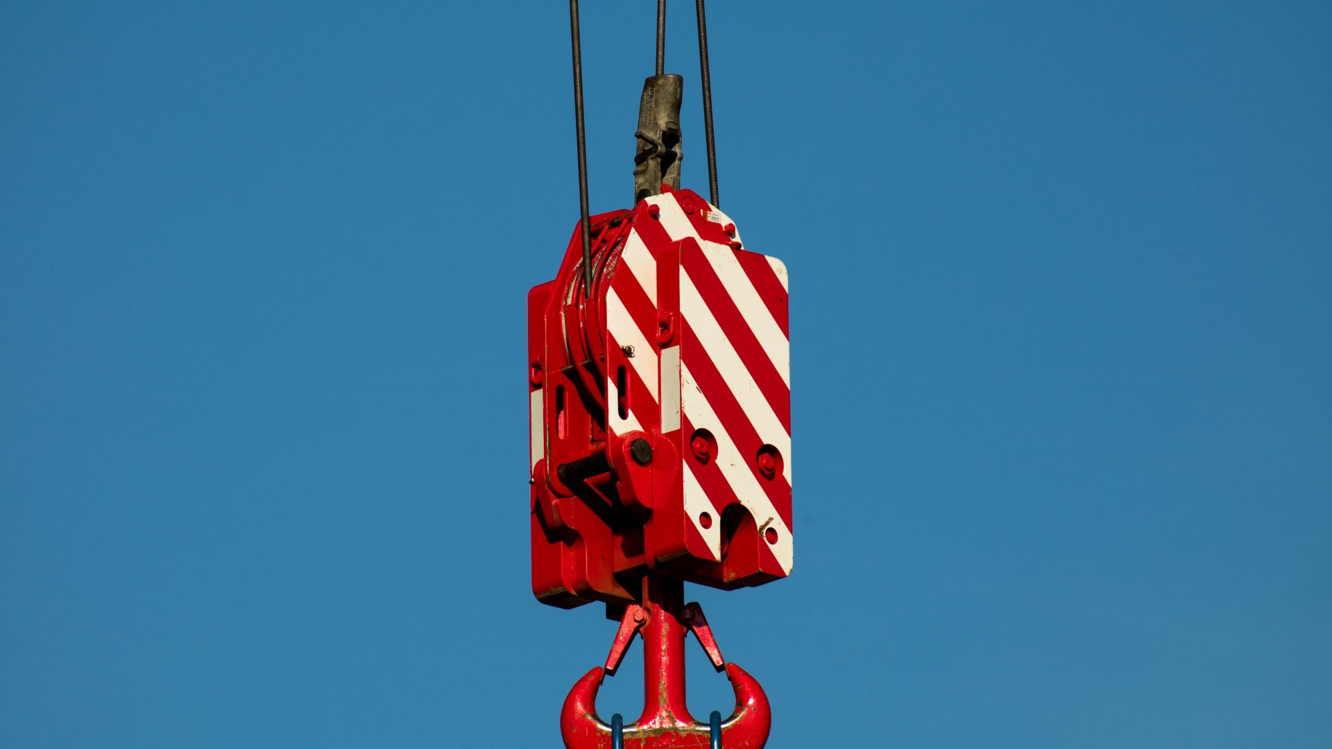 blue-sky-construction-crane-533227